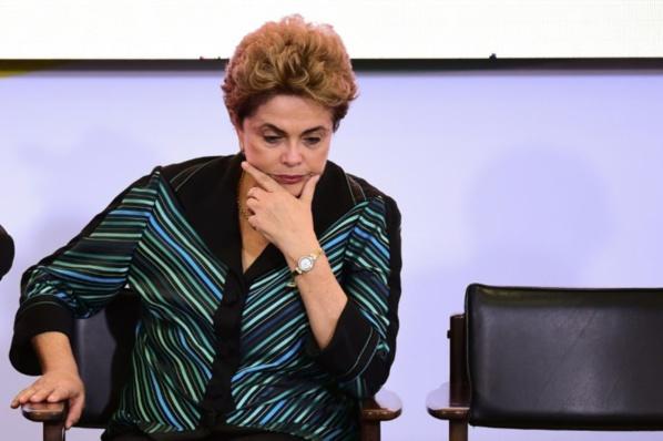 """Dilma Rousseff dénonce un procès """"arbitraire"""" lors de son ultime plaidoyer devant le Sénat"""