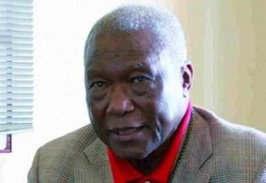 """Hommage de Mbagnick Ndiaye à Bara Diouf, """"une des figures de proue"""" de la presse sénégalaise"""