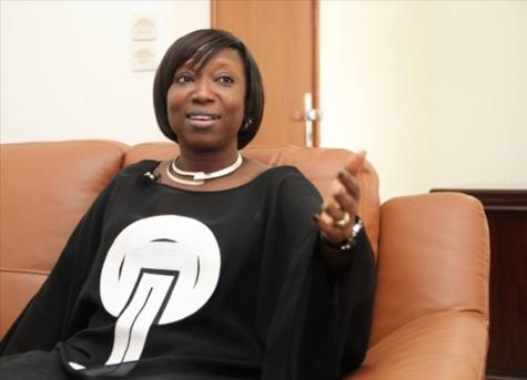 Viviane Bampassy Ministre de la fonction publique répond : ''Je n'ai jamais convoqué le SYTJUST''