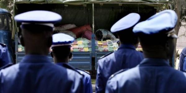 Mouillés dans un scandale qui fera du bruit, deux gendarmes et un transitaire arrêtés au Port de Dakar ...