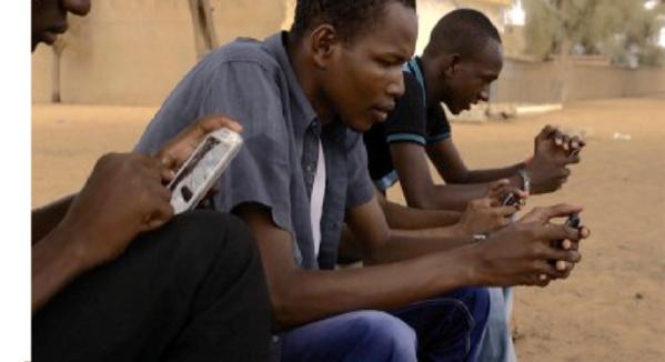 La réalisatrice française Chantal Richard sort un film sur le phénomène des réseaux sociaux au Sénégal