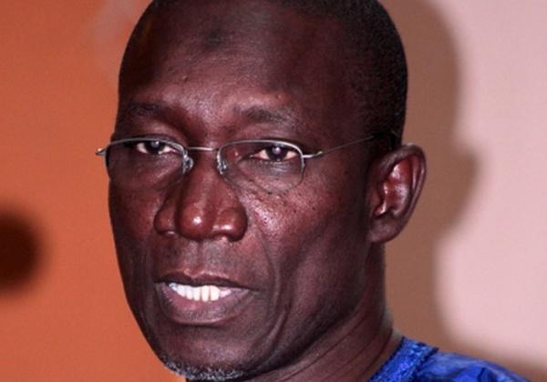 """Les effarantes  révélations de Me Amadou Sall: """"Macky Sall est poltron (...) Sans vision, il est incompétent et ne privilégie que son clan (...) C'est parce qu'il a peur de Karim Wade qu'il l'a fait quitter manu-militari le pays (...)"""