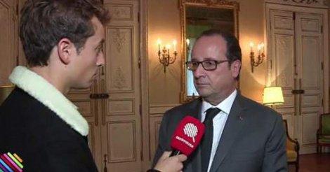 Samedi, François Hollande ne savait plus sur quel pied danser pour évoquer la visite de Vladimir Poutine à Paris le 19 octobre prochain. Au final, c'est le président russe qui a tranché à sa place: il a annulé sa visite. Une façon de porter un coup à l'autorité du président français. © Twitter@Qofficiel.