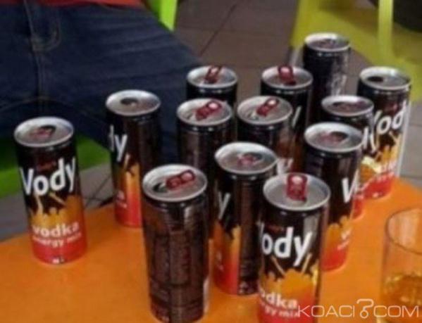 A Abidjan, les vendeurs de Vody, une boisson des nuits torrides se frottent les mains
