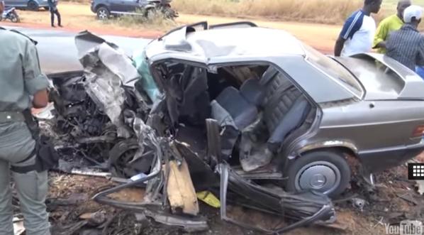 Vidéo – 3 morts dans un violent accident sur la route de Tivaouane (Âmes sensibles, s'abstenir)