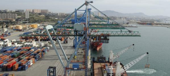 """La mafia du Port tombe""""19 suspects dont 8 transitaires et 6 agents de Dubaï Port sont tombés dans le cadre de l'enquête sur le scandale des faux bons à enlever."""""""