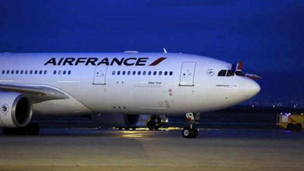 Après la suspension du décret Trump, les compagnies embarquent les passagers interdits