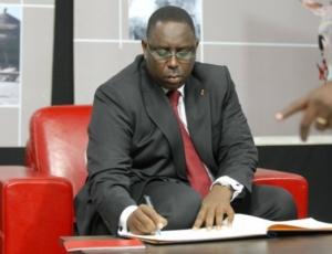Législatives dans trois mois : ministres et hauts cadres préoccupés à sauver leurs têtes