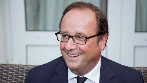 Hollande confirme qu'il n'abandonne pas la vie politique