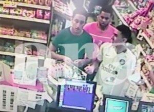 Cambrils: La caméra d'une station-service saisit les dernières images des terroristes, visiblement détendus avant les attentats (VIDÉO)
