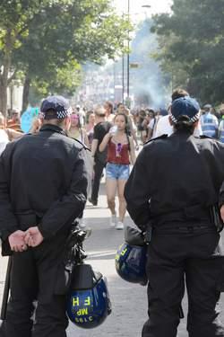 Une attaque à l'acide sème la panique à Londres