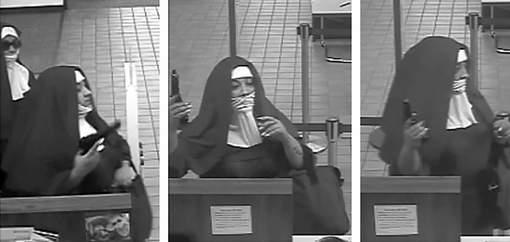 Les images de vidéosurveillance diffusées par le FBI montrent deux femmes vêtues d'une longue robe de nonne, la tête couverte d'un grand voile noir sur une guimpe blanche, pistolet au poing. © afp.