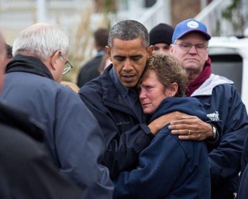 Le photographe d'Obama donne une leçon à Trump
