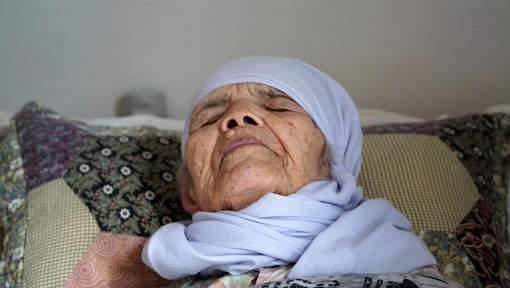 La Suède refuse l'asile à une femme afghane de 106 ans — Polémique
