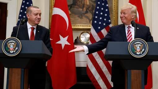 """Trump et Erdogan ont échangé sur la """"stabilité régionale"""""""