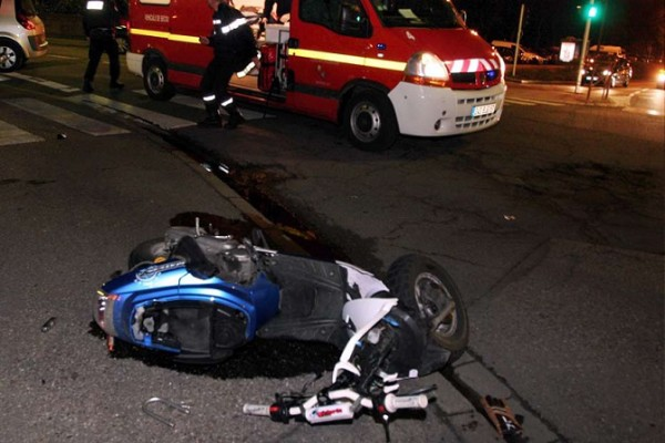 Drame à Yeumbeul : un car rapide fauche un scooter, fait un mort et un blessé grave