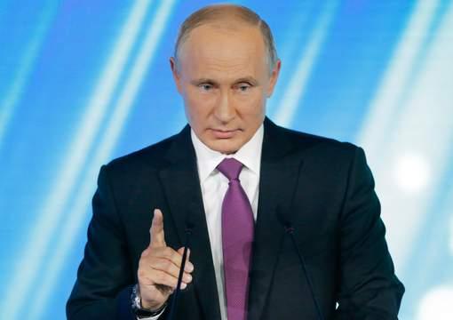 Poutine accuse l'Europe de traiter différemment le Kosovo et la Catalogne