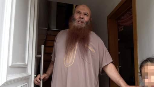 Forcé de quitter la Belgique, l'imam de Dison prêche désormais à La Haye