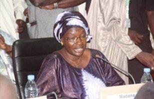 Ofnac : Macky gonfle Seynabou Ndiaye Diakhaté de 111 milliards