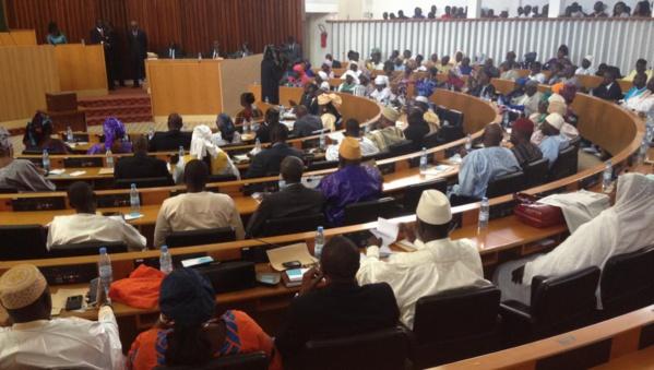 Alors que les députés débattent sur la levée de l'immunité parlementaire de Khalifa Sall, la Senelec coupe le courant