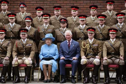 A 91 ans, Elizabeth II passe peu à peu le relais à son fils
