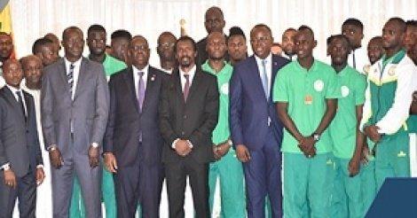 Prime de qualification : Les lions demandent à Macky de récompenser « tout le monde »