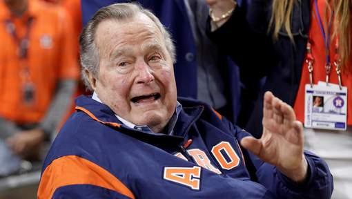 George Bush père et ses mains baladeuses