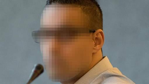 Il avait laissé son fils baigner dans le sang de sa mère: vingt-deux ans de prison