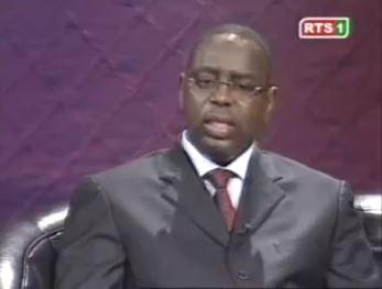 Vidéo-Macky Sall met fin à la polémique : «l'AIBD, le train Dakar - Ziguinchor... ce sont des projets de Me Wade»