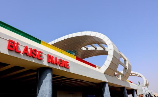 Inauguration Aibd: Une petite fille* de Blaise Diagne en colère…