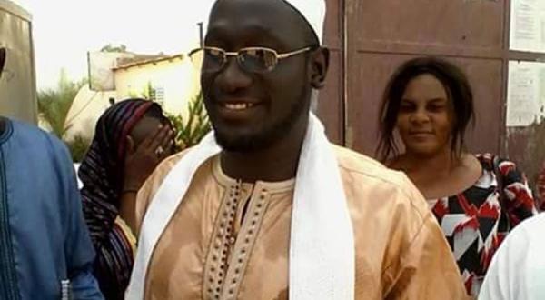 "Serigne Assane Mbacke assiste sa ""soeur"" Maimouna Bousso"