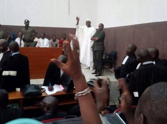 Pourquoi le procès du maire de Dakar a été renvoyé