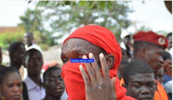 Des brassards rouges attendent Macky Sall à Kolda