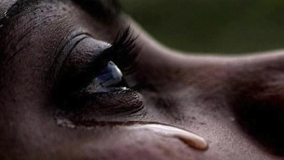« J'étais vierge et mon mari m'a violé à la nuit de noce »