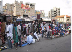 PRATIQUES URBAINES DANS UNE VILLE EN AFRIQUE SUBSAHARIENNE :  Focus sur une rue de Dakar