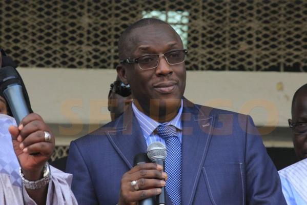 Festin de la république à Ndioum :Qui va arrêter le maire de Cheikh Oumar Hann…. le Sénégal considéré comme un gâteau par ses nouveaux types de politiciens Aperistes