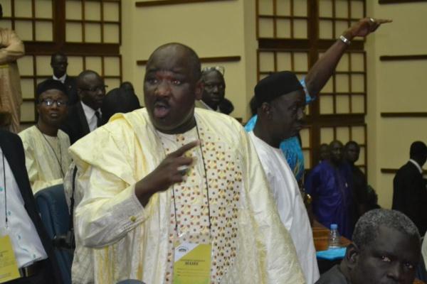 Farba Ngom se défoule sur Idrissa Seck et Ousmane Sonko