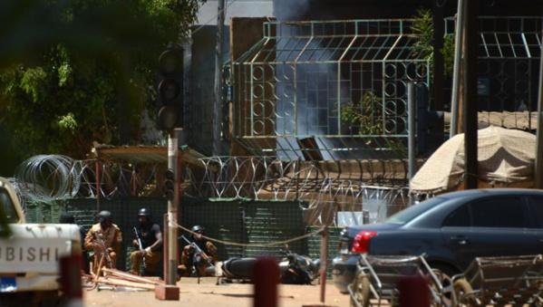 Burkina Faso : le film de l'attaque racontée par le maire de Ouagadougou et d'autres témoins