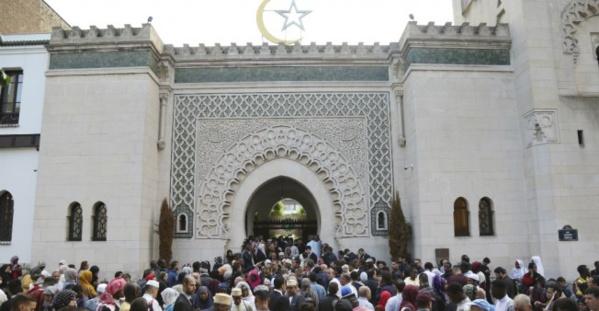 Un nouveau rapport pour réformer l'islam en France remis à Macron