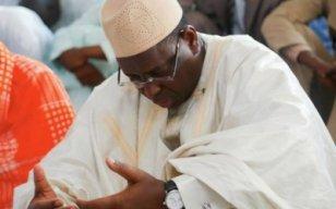 Magal Serigne Abdou Khadre : Macky sollicite des prières pour une présidentielle apaisée