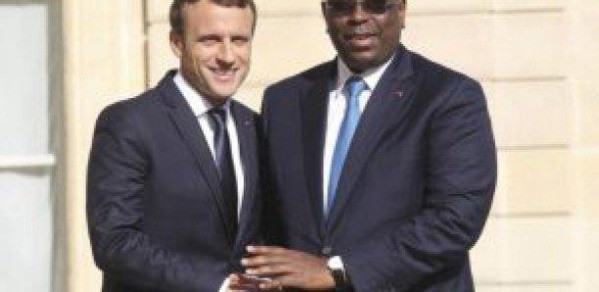 Forum de Dakar : Macron remet 500 millions à Macky