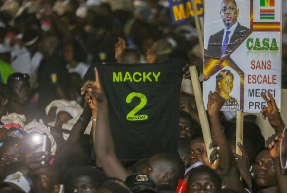 ​Meeting à Ziguichor : Macky chante la Casamance