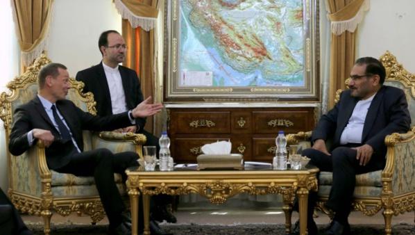 Nucléaire iranien : un émissaire français à Téhéran pour calmer le jeu