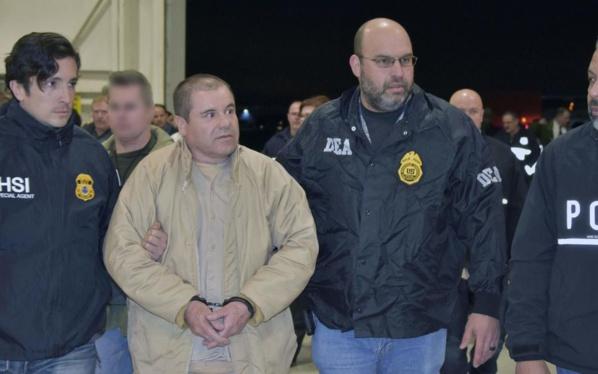 """La justice américaine condamne le baron de la drogue """"El Chapo"""" à la perpétuité"""