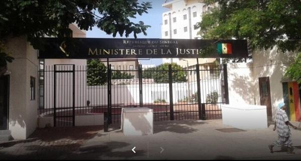 Scandale à la direction des affaires civiles et du sceau du ministère de la Justice -   Un agent vendait la nationalité sénégalaise à un million de Fcfa, la Sr cerne la mafia