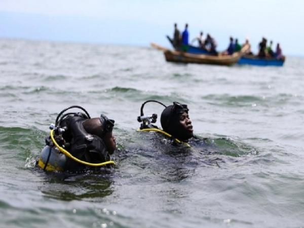 Comment la pirogue qui transportait des touristes sur l'île Sarpan a chaviré