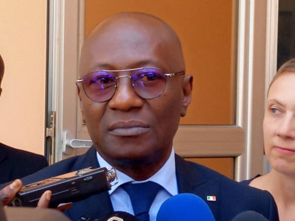 ABDOULAYE DIOP RÉITÈRE LES ENGAGEMENTS DE L'ETAT CONCERNANT L'ASSAINISSEMENT DE LA PRESSE