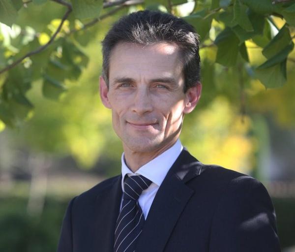Le nouvel ambassadeur de France prend fonction