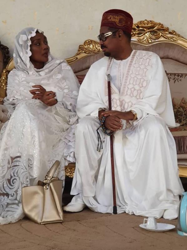 [Photos-Vidéo] Pour prouver son mariage, Ahmed Khalifa Niass dévoile ses photos avec…