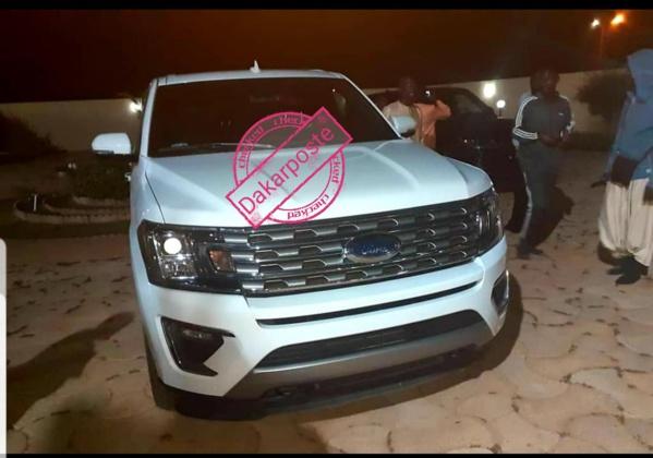 """Voici la luxueuse voiture offerte à Sokhna Aïda Diallo Thioune par Idrissa Samb...Révélations sur ce généreux bienfaiteur """"Thianta"""" ..."""